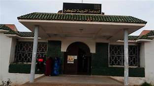 ساكنة هشتوكة تحمل الوكالة المستقلة للماء و الكهرباء مسؤولية عرقلة مشروع التطهير السائل